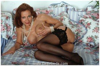 sex kontate frauen die nackt putzen